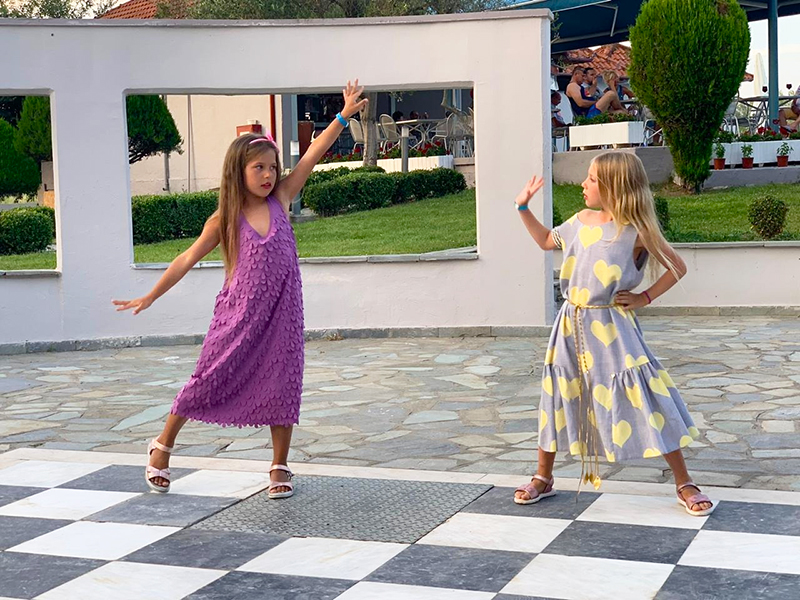 Ну и куда в сенатских провинциях без танцев? С захваченных земель Испании прибыли самые искусные танцовщицы фламенко! Ванесса и Ева в роли огненных испанок были великолепны!