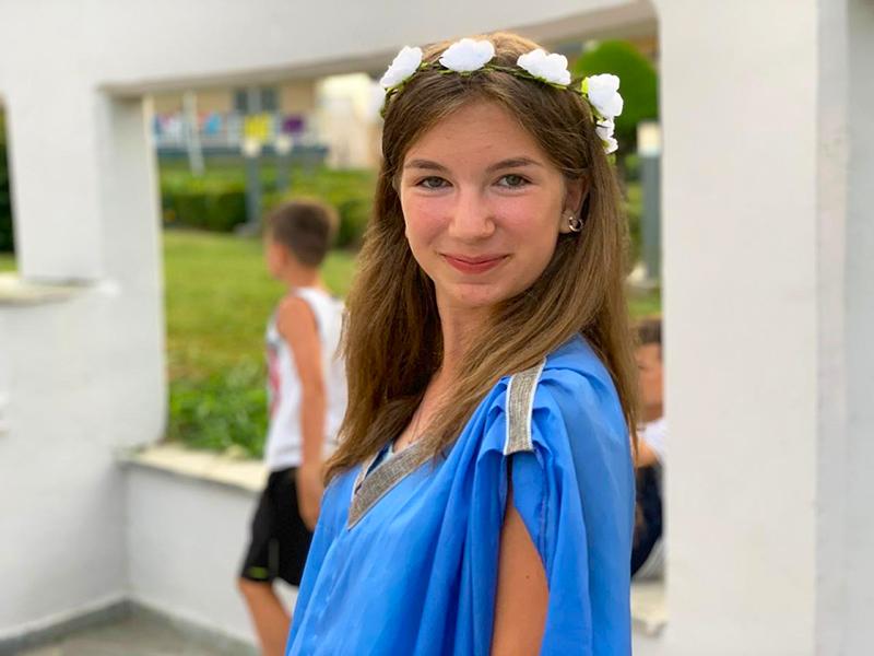 Анна была близко знакома с Персефоной, любимой девушкой Императора и с Юлианой, его служанкой. Вероятно, ей известно нечто большее…
