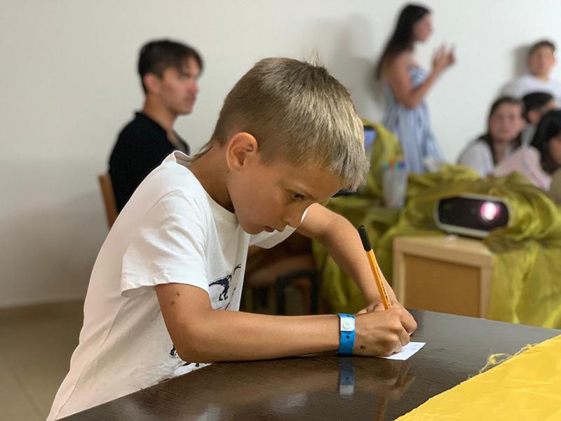 Даже юные вандалы доказали, что и они могут знать много! Мише всего семь лет, но он был очень внимательным на лекциях. И полученные знания пригодились.