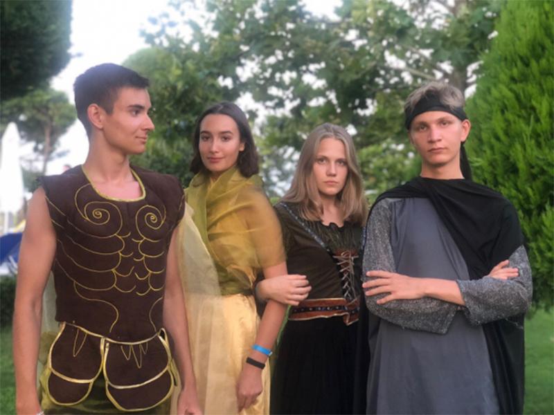 Боги приготовили для них квест, где каждый должен был доказать, что достоин быть Асгардцем.