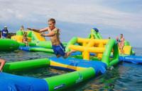 В Дубае открылся надувной парк развлечений на воде