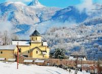 Черногория предлагает недорогой зимний отдых